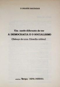 Um Modo Diferente de ver a Democracia e o Socialismo «€15.00»